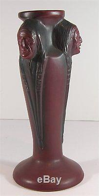 1920s VAN BRIGGLE NATIVE AMERICAN INDIAN THREE FACES VASE IN NEAR MINT CONDITION