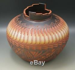1995 Laguna Pueblo Diane Aragon Vase Pot Carved Native American Pottery Signed