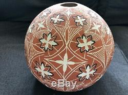 ACOMA PUEBLO INDIAN POTTERY Round Vase 1987 Artist Signed SHDIYA'ARAITS'A N. M