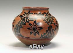 ANTIQUE Historic Tesuque pottery jar PUEBLO INDIAN NATIVE AMERICAN 19th C