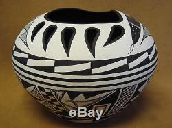 Acoma Indian Pottery Handmade & Painted Bear Paw Pot by Westly Begaye! Hand Coil