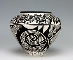Acoma Pueblo Native American Indian Pottery Olla Kenneth Joe