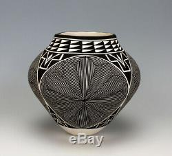 Acoma Pueblo Native American Pottery Fine Line Olla #1 Katherine Victorino