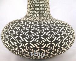 Acoma Pueblo Pottery Black & White XLG VASE POT, Native American Paula Estevan