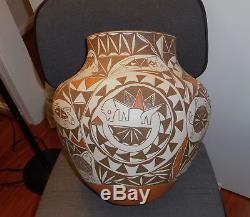 American Indian Pottery large Acoma olla Jar lovely signed V. L Acoma