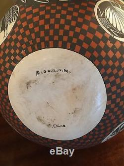 An Gorgeous Piece Of Native American Acoma Pottery From New Mexico Signed Chino