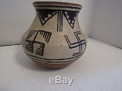 Antique Acoma Pueblo Pot 6.5 Tall