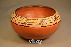 Antique Native American Maricopa Polychrome Pottery 5 1/2 Great Condition