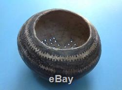 Artifact Native American anasazi pottery black on white Colander old