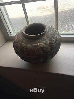 Authentic Vintage Native American Indian Clay Water Pot Beautiful Rare