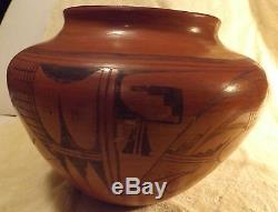 Beautiful Vintage Native American Indian Decorative Pottery Black-on-Red 10 dia