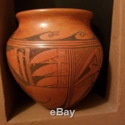 Beautiful Vintage Pottery Patty Maho Native American Indian
