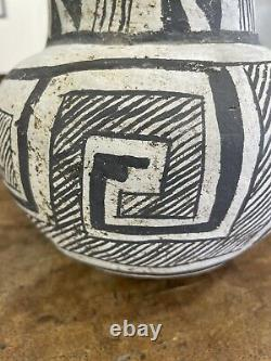 Circa 1000AD Chaco Canyon Anasazi Black & White Pottery Jug Hand Painted
