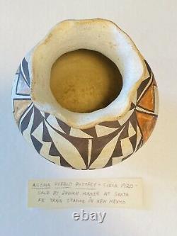 Circa 1920s Vintage Native American ACOMA Pottery New Mexico Pueblo Jar Base