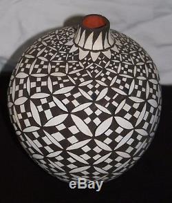 Dynamic LG Acoma Pueblo Vase by J. Keene Sfe Indian Market, Unique Xmas Gift