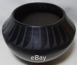 EARLY Maria Martinez Black Pottery Bowl FEATHERS San Ildefonso 1918-1925 SIGNED