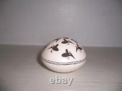 Emma Lewis Acoma Native American Pueblo Indian Bees Pottery Seed Pot