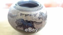 Gloria Garcia Goldenrod Santa Clara Pueblo Pottery Pot Vase With Wolves