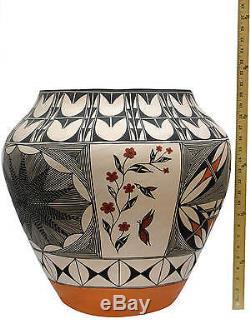 Ipsha Garcia, Acoma, Large Pottery, Geometric Pattern, 21 x 20 1/2