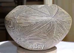 JUANA LENO (1917-2000) Vintage ACOMA PUEBLO Fine Line Bowl