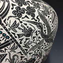 LARGE Acoma Nathaniel Vallo Native American ETCHED Black Pottery Olla Kokopelli