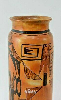 Large Antique Hopi Pueblo Indian Pottery Vase Early 20th Century 13.25 h