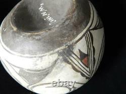 Large Antique Vintage Zuni Indian Pottery Classic Olla Form Pot Concave Base