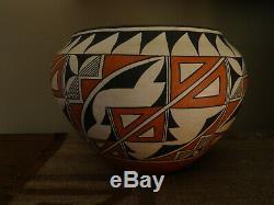 Large Native American Acoma Pot