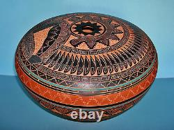 Large Native American Navajo Seed Jar Signed with Etched Landscape Drawing on Base