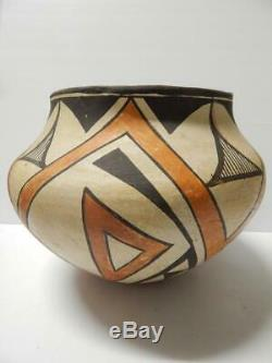 Large Vintage / Antique Laguna Pueblo Indian Pottery Jar Olla Pot Concave Base