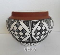 Large Vtg Rose Jones Laguna Pueblo Native American Pottery Olla Jar