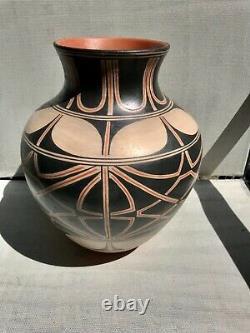 Lisa Holt & Harlan Reano Very Large Storage Jar Native American