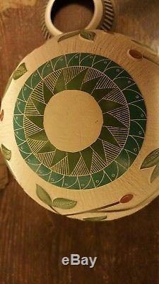 MATA ORTIZ HAND COILED, ETCHED & PAINTED NATIVE AMERICAN POTTERY WithHUMMINGBIRDS
