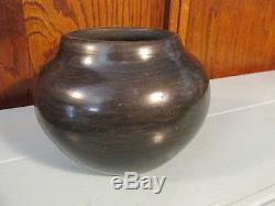 Maria Martinez Native American Indian 1923-1925 San Ildefonso black pottery