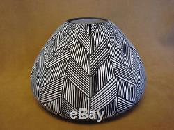 Native American Acoma Fine Line Pot Hand Painted by ML! Fine Line PT4165