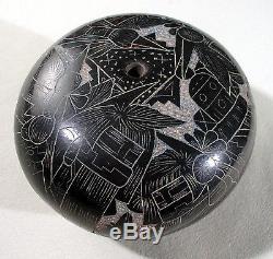 Native American Acoma Hopi, Etched Black Pottery Seedpot Ergil Vallo Dalawepi
