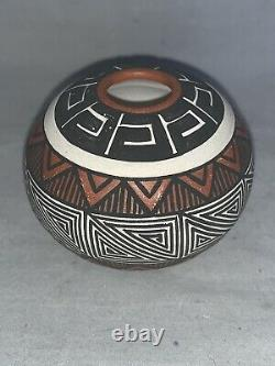 Native American Acoma Indian Pot, Seed Pot, Miniature, Signed Jay Vallo