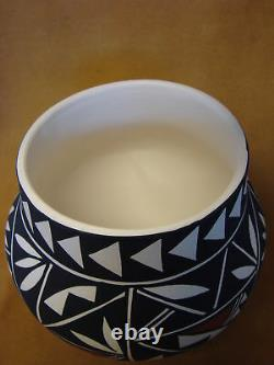Native American Acoma Pot Hand Painted by Concho PT0080