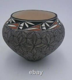 Native American Acoma Pot by Luann Ried