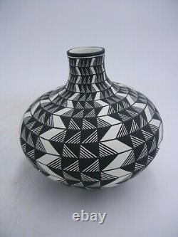 Native American Acoma Pot by Paula Estevan