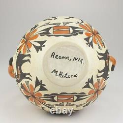 Native American Acoma Pottery Heartline Pot with Fox Handles, Mildred Antonio