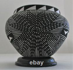 Native American Acoma Pueblo Pottery Bowl signed MM