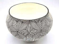 Native American Indian Pottery Acoma Handmade Stunning Work Signed Beautiful