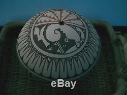 Native American Indian Potteryrenowned JEMEZ artist Tofoya 1990. New Mexico