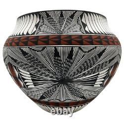 Native American Pottery Acoma Handmade Stunning Work Beautiful Fine Line Vase