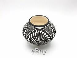 Native American Pottery Acoma Handmade Stunning Work Signed Beautiful AMAZING