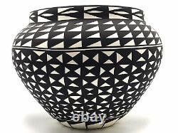 Native American Pottery Acoma Indian Handmade Stunning Work Beautiful Vase