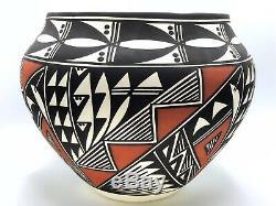 Native American Pottery Large Acoma Handmade Stunning Work Signed Beautiful