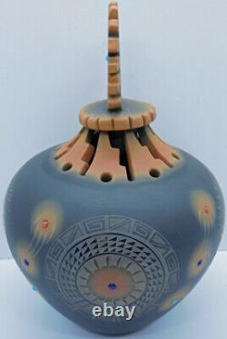 Native American Ron Suazo Santa Clara Sgraffito Lidded Jar Bear Claw Paw