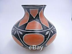 Native American Santo Domingo Pottery Vase by Robert Tenorio